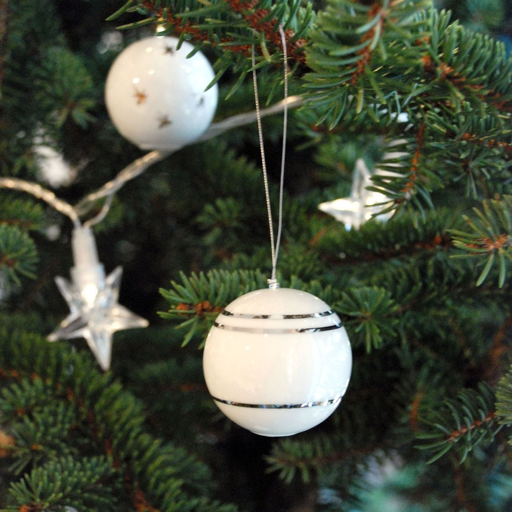 Weihnachtskugeln gestreift